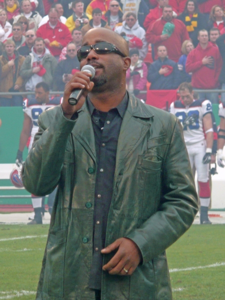 Darius Rucker Performs National Anthem For Chiefs' Fans