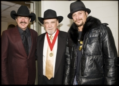 Kix Brooks And Kid Rock Hang Out With A Legend