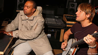 Rapper/producer Timbaland and Keith Urban collaborate for a special song for owners of the Verizon Blackberry Storm.