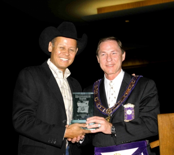 Neal McCoy presented Masonic Award by Donny Broughton